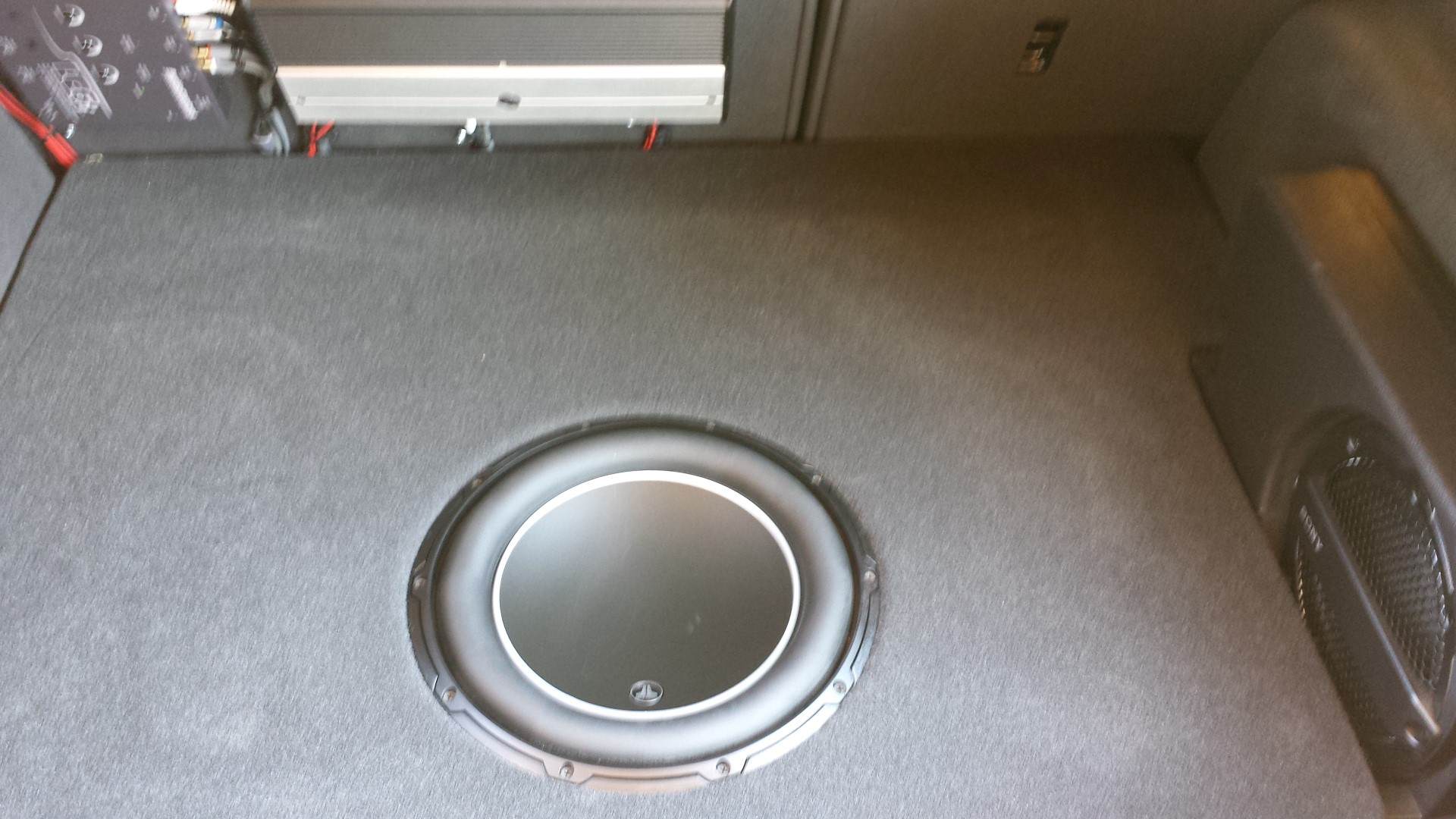 Subwoofer specs and box specs