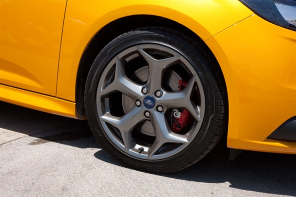 Focus St Wheels >> Stock St Wheel And Tire Specs