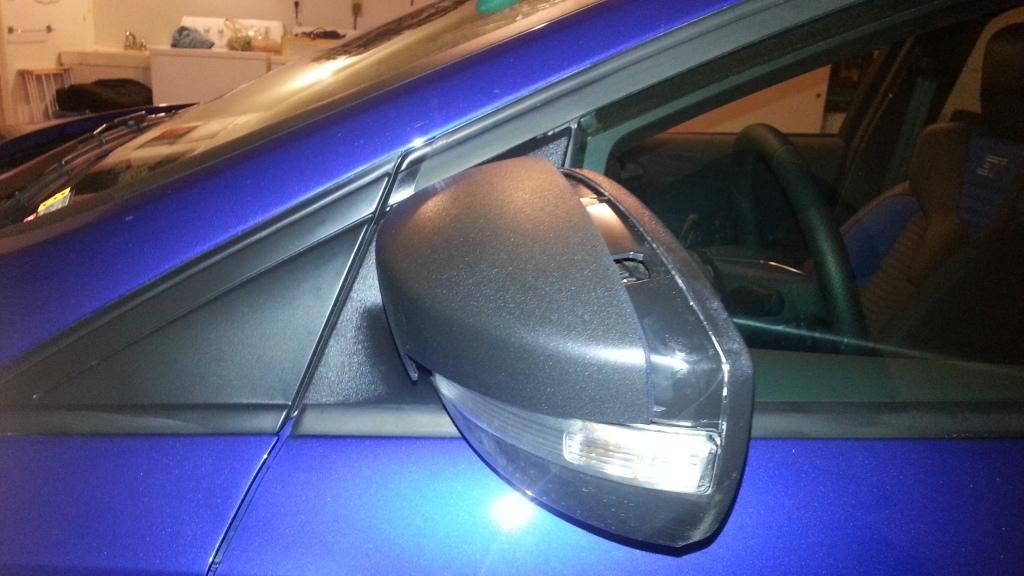 Ford Focus Passenger Side Mirror Glass