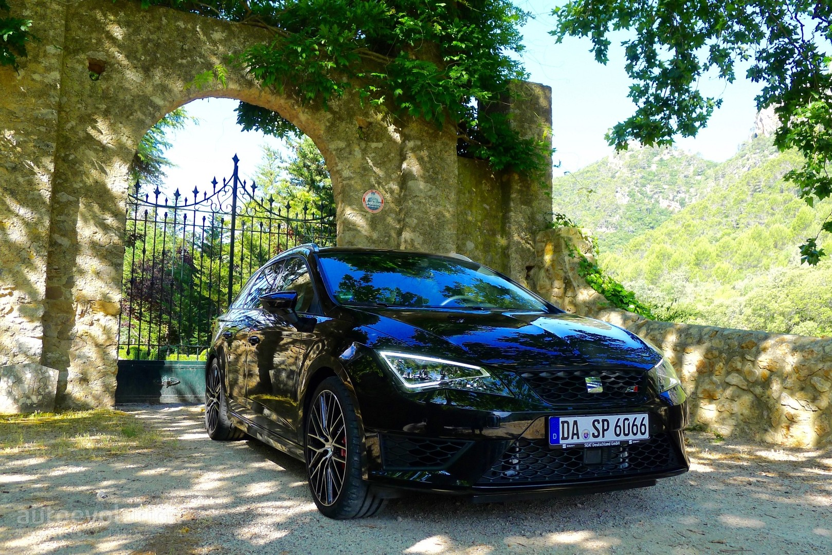 2015 SEAT Leon ST Cupra Full HD Wallpapers: Welcome to ...