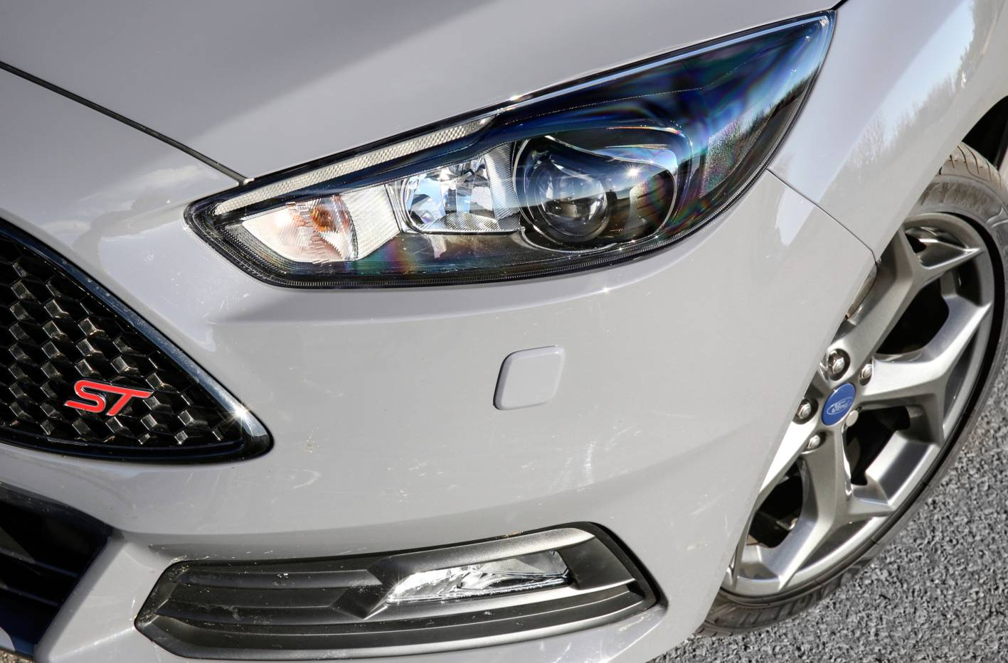 Name 2016 Ford Focus St Headlights Jpg Views 5035