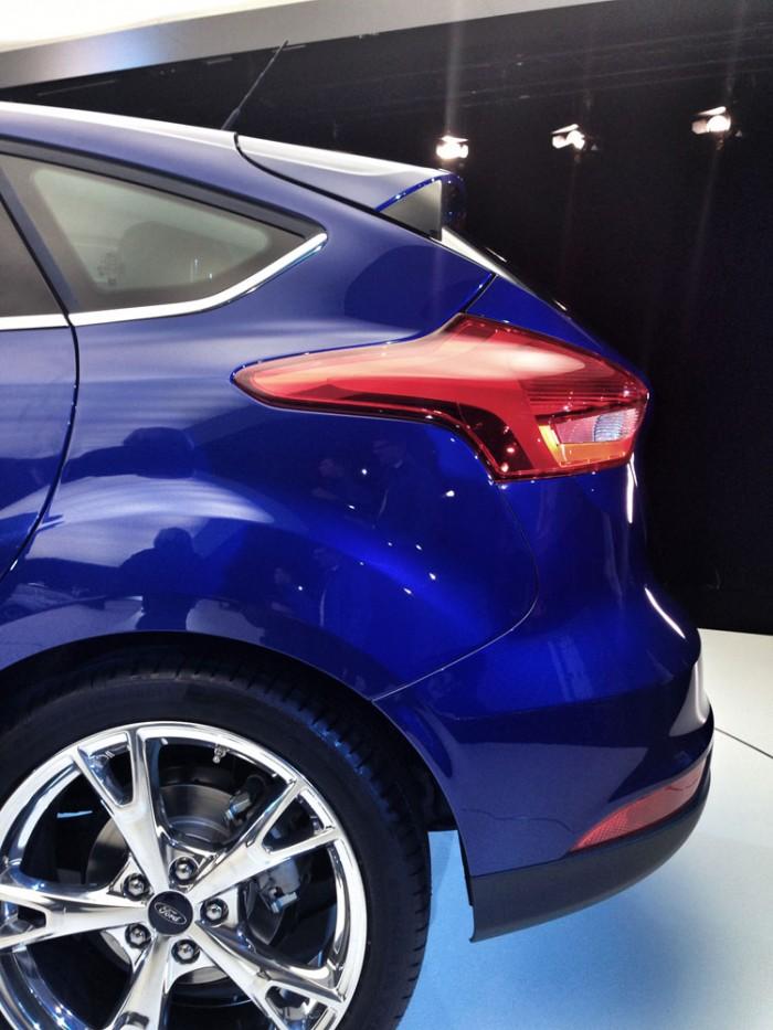 name all new ford focus 700x933jpg views 8921 - Ford Focus St 2015 Blue