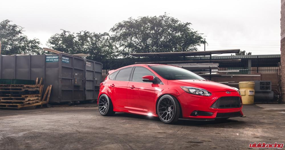 Fiesta St Forum >> Ford Focus ST Photo Bomb at Vivid Racing