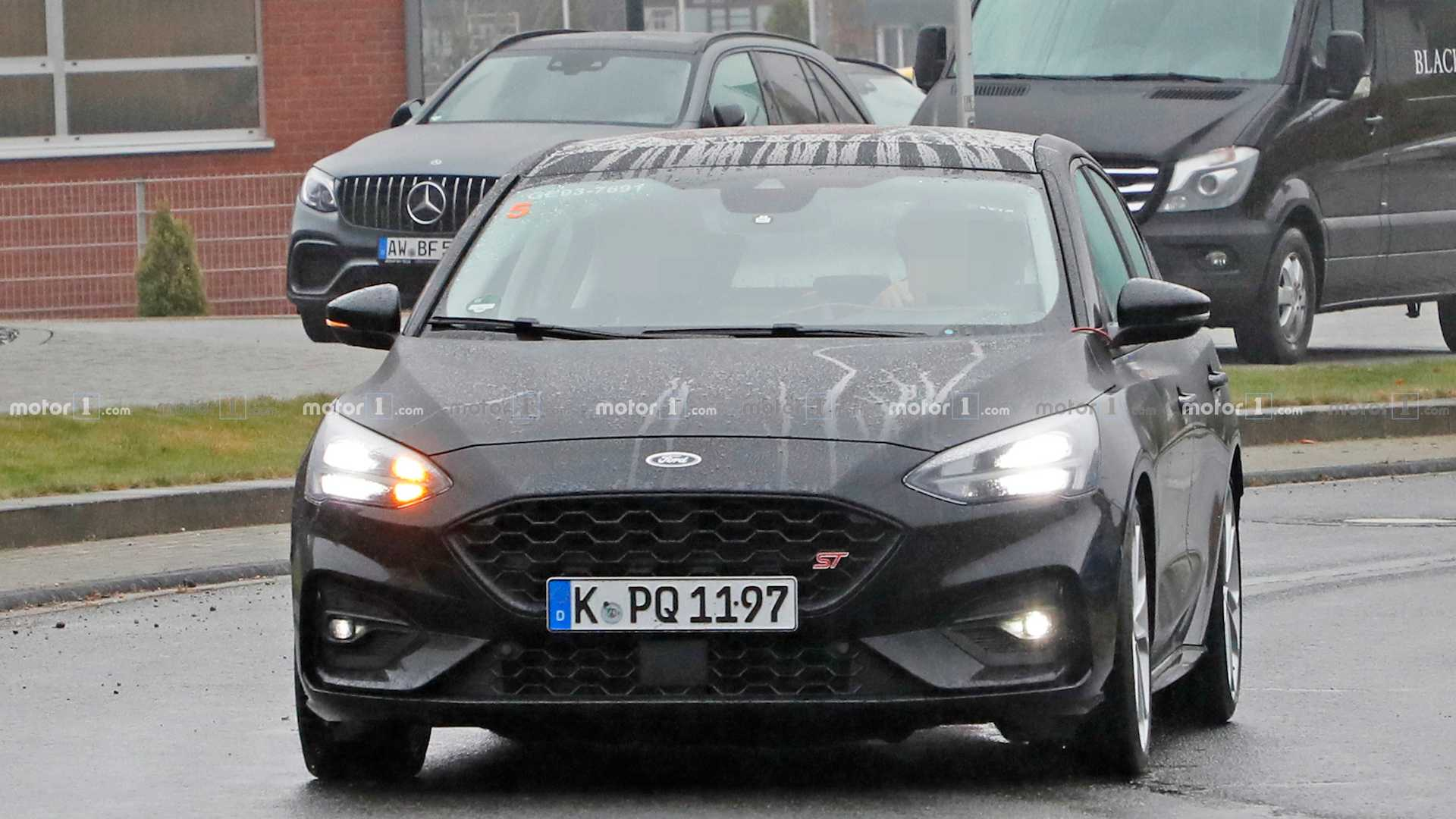Name:  ford-focus-st-spied.jpg Views: 8581 Size:  149.6 KB