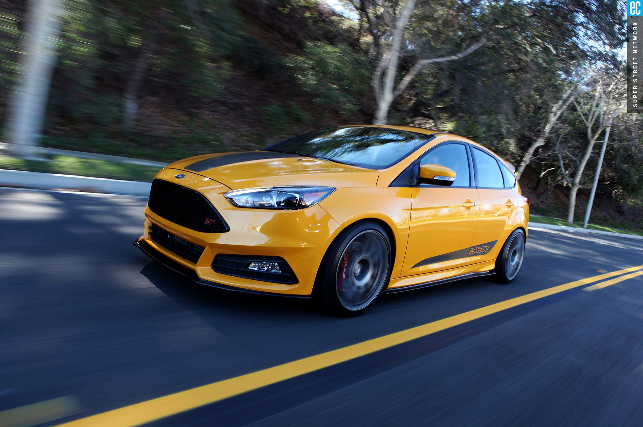 Name:  fswerks-2015-ford-focus-st-driver-side-front-view.jpg