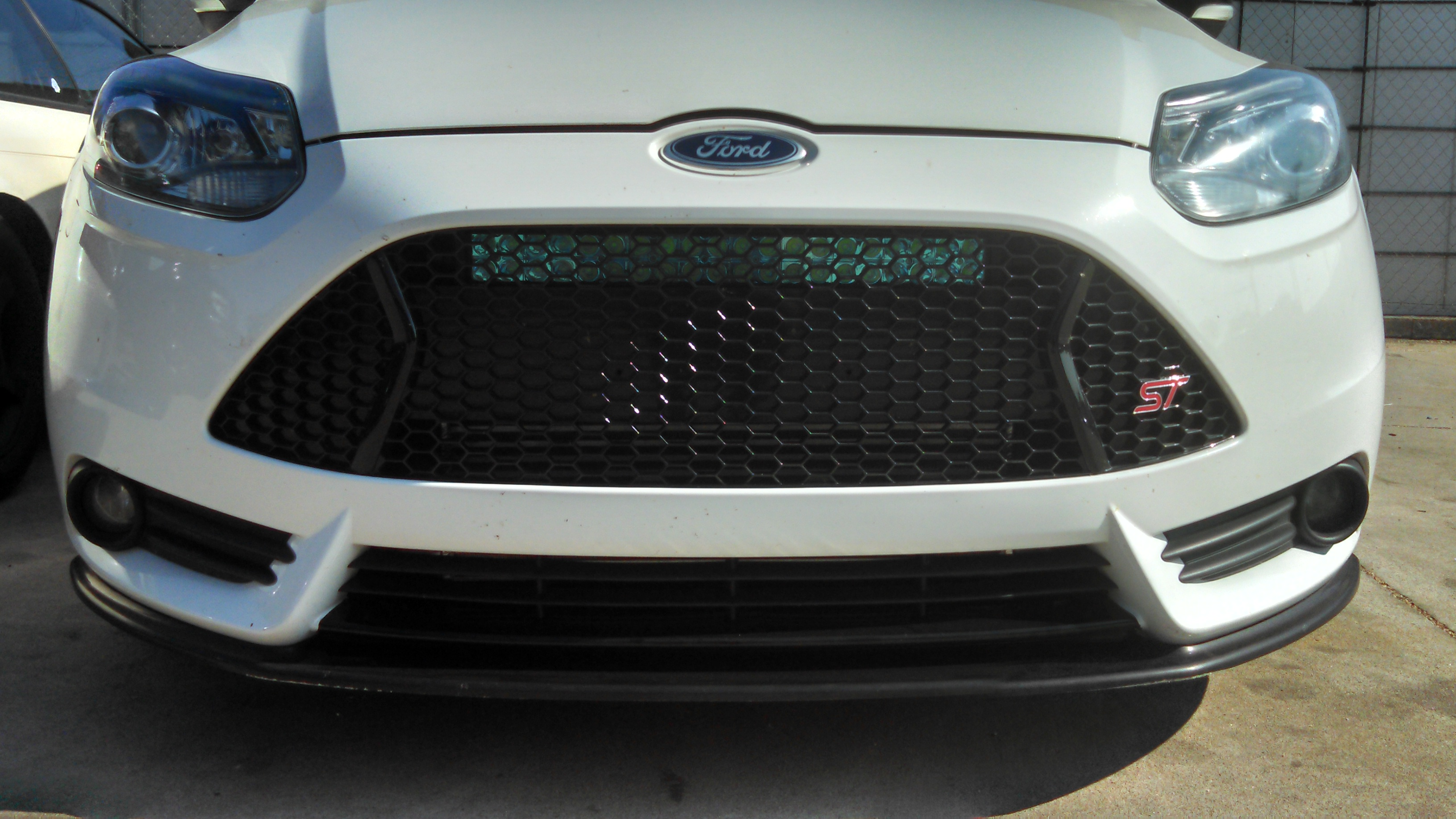 Led Light Bar behind top half of grill - Page 3