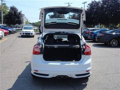 Name:  new-2013-ford-focus-5drhbst-6035-9209593-11-400.jpg Views: 23256 Size:  28.8 KB