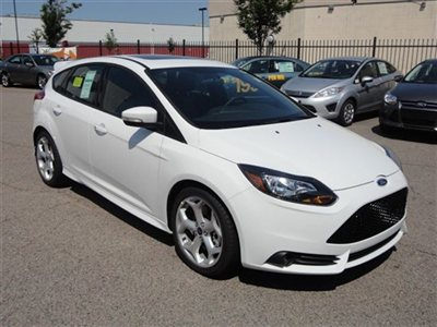 Name:  new-2013-ford-focus-5drhbst-6035-9209593-3-400.jpg