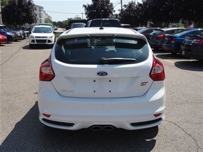 Name:  new-2013-ford-focus-5drhbst-6035-9209593-6-400.jpg